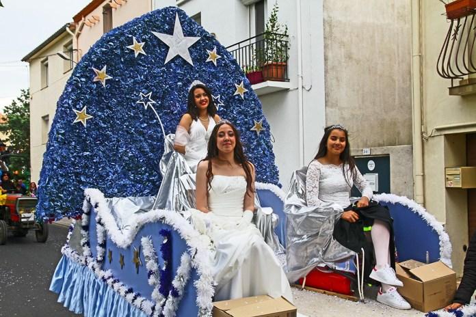 plus-de-3000-carnavaliers-pour-celebrer-ledition-2017-du-carnaval-au-soler