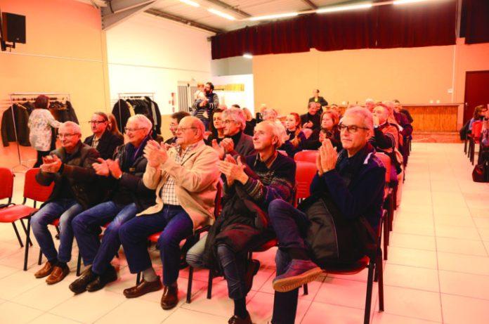 «La proximité n'est pas qu'une devise dans notre ville. C'est évidemment un plaisir pour nous que d'accueillir des personnes ayant choisi Saint-Estève comme lieu de vie.» déclare Robert Vila, maire de Saint-Estève