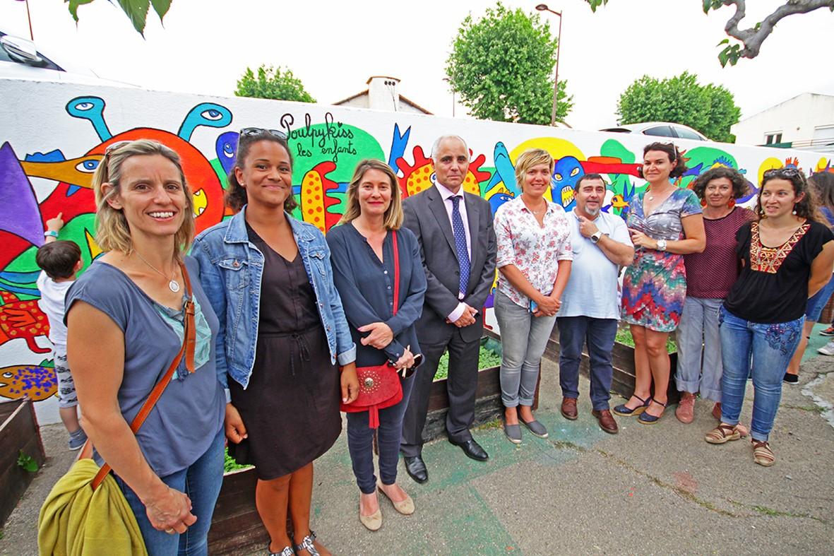 Wonderful L'école maternelle du Soler inaugure une fresque murale réalisée  YK68