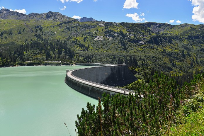 prudence-aux-abords-des-rivieres-la-shem-rappelle-les-consignes-de-securite-aux-bords-des-ouvrages-hydroelectriques