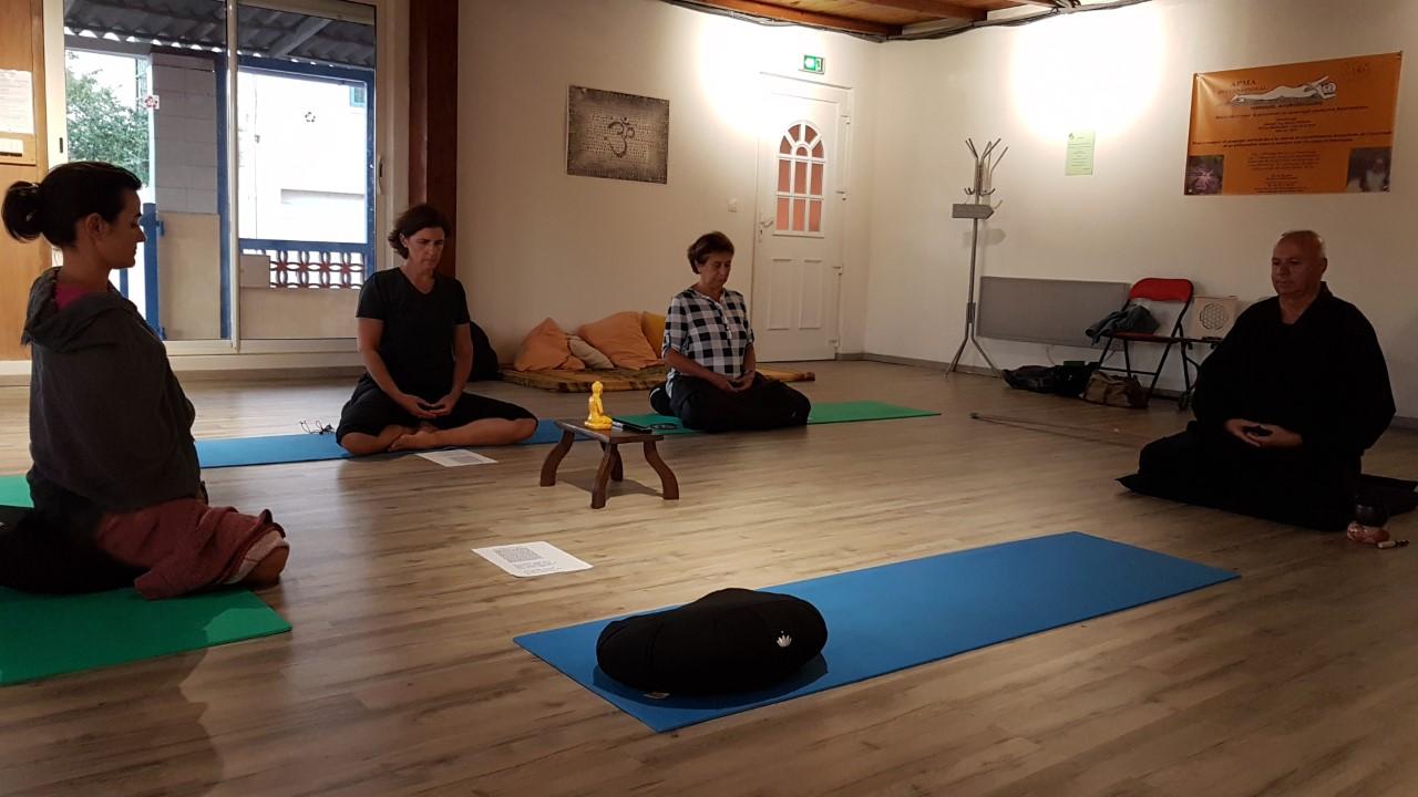 Aménager Une Salle De Yoga association apma : ayurvéda, yoga et méditation - le journal