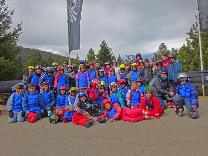 44 jeunes solériens du Centre de Loisirs et du Point Jeunes de la ville du Soler en séjour ski !