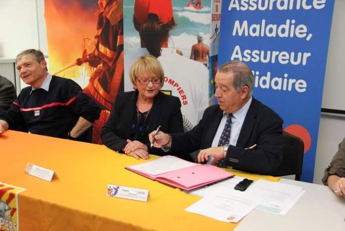 Signature d'une convention entre les pompiers de la caserne de Saint Laurent de la Salanque et la CPAM