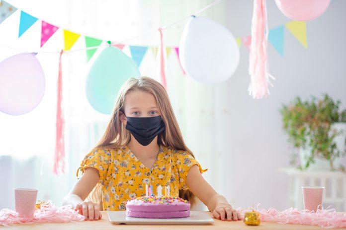 L'Organisation Mondiale de la Santé alerte sur le port du masque prolongé