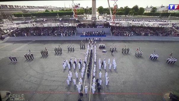 croix-de-lorraine-formation-14-juillet-2015