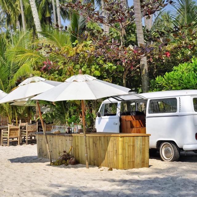 Djeuner les pieds dans le sable oovatu lunchtime thailand igersthailandhellip