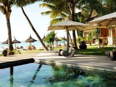 La jolie piscine de l'hôtel
