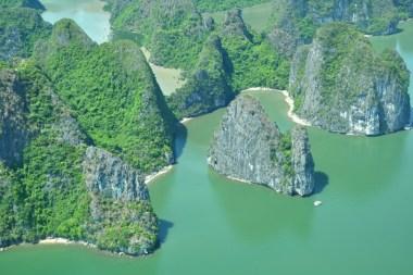 La baie d'Halong, l'une des sept merveilles de la nature