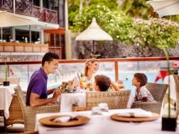 Partagez un repas en famille dans un cadre paisible