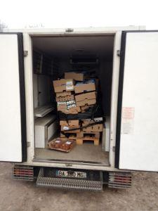 115DP-02 04 2020-Dépotage camions de Rungis récoltés dans la nuit-2