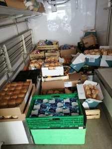 115DP-et partenaires-DIstribution urgence alimentaire camp Rom Vitry_2020 05 03-1