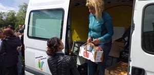 115DP-et partenaires-DIstribution urgence alimentaire camp Rom Vitry_2020 05 03-12
