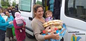 115DP-et partenaires-DIstribution urgence alimentaire camp Rom Vitry_2020 05 03-15