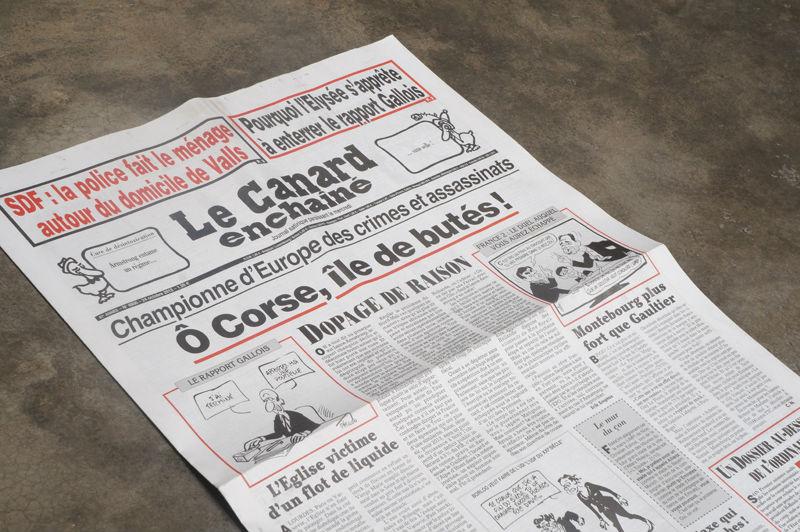 Canard enchaîné : Cent ans qu'il barbote gaiement dans sa mare