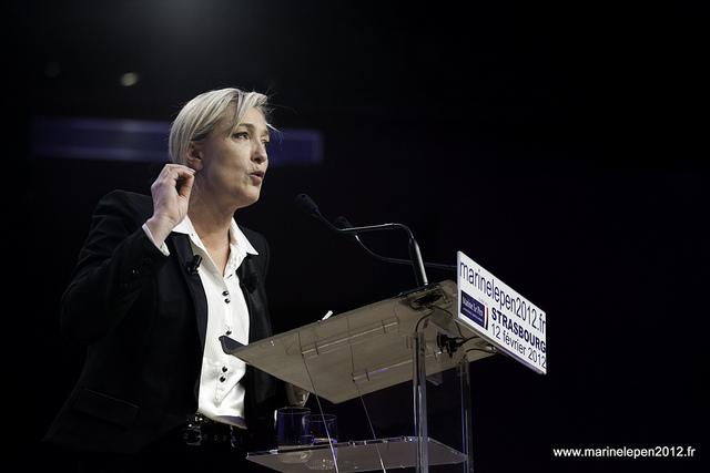 Marine Le Pen fustige Emmanuel Macron, Le TFC perd face à Strasbourg … les infos à retenir