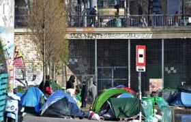 Évacuation d'un camp de migrants insalubre au nord de Paris