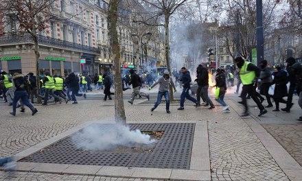 Une grenade lacrymogène controversée retirée par Christophe Castaner