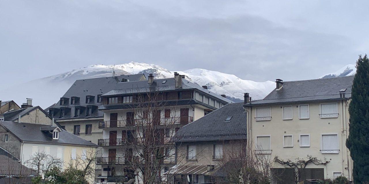 Luchon : La neige tombe enfin à la station Superbagnères