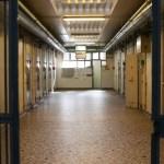 Seysses : les détenus déposent un recours contre les parois anti-covid aux parloirs