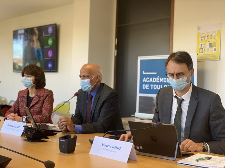 Au centre, Mostafa Fourar, recteur de l'académie de Toulouse a annoncé les moyens mis en place pour la rentrée 2021. Crédit : Thomas Naudi