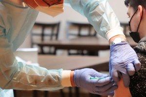 Le vaccin Moderna efficace contre les variants, avec tout de même de nouveaux essais cliniques à venir. Crédit : Creative Commons, Pixabay