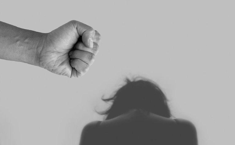 La plateforme de signalement arretonslesviolences.gouv.fr a enregistré une hausse de 60% des violences conjugales lors du second confinement. Crédit : Pixabay