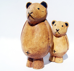 Photo: Figurines of Mama and Baby Bear