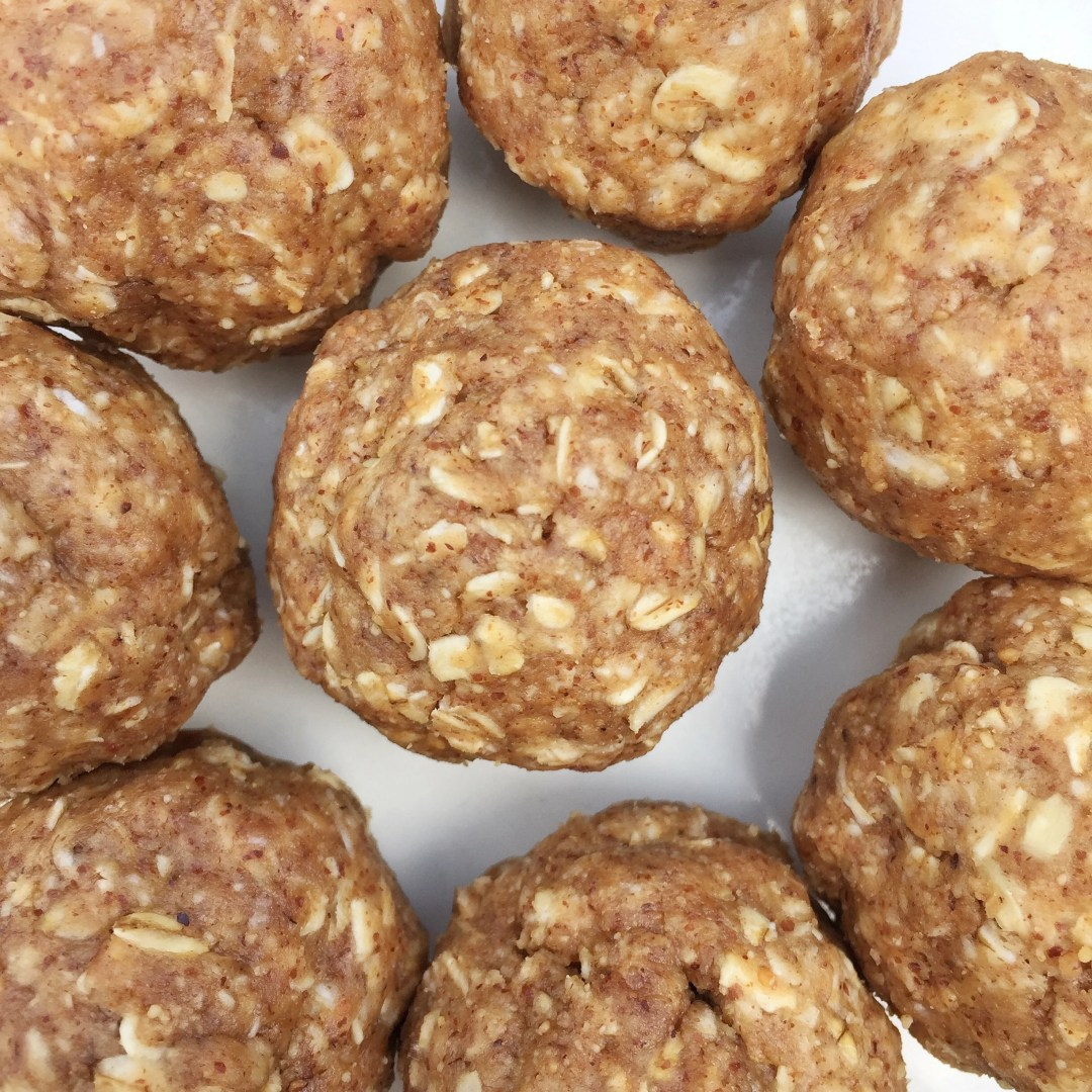 No Bake Almond Butter Oat Energy Balls Leahs Plate - No Bake Almond Butter Oat Energy Balls