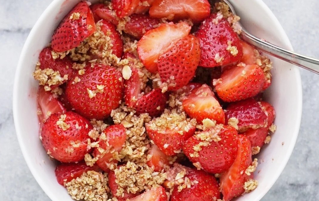 Strawberry Pecan Crumble (Vegan & Gluten Free)