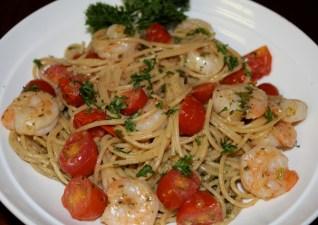 Scrumptious Sunday: Pesto Shrimp Pasta