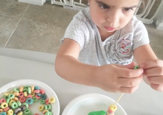 {Mommy School} Fruit Loop Fun