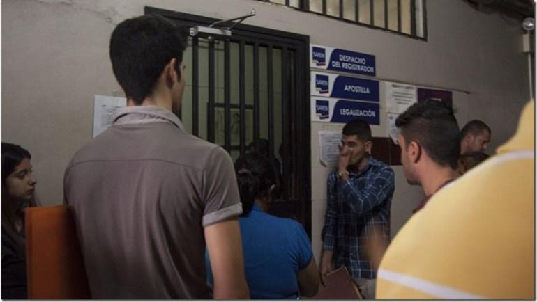 El Drama de apostillar en Venezuela - Foto Karen Paredes