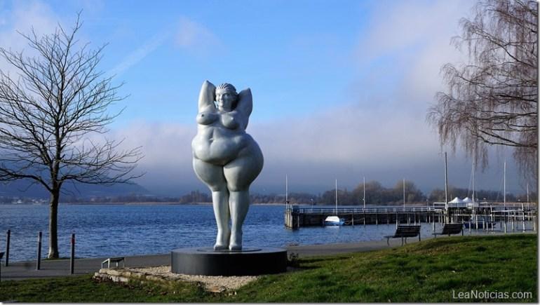 mujer-obesa-lago-constanza