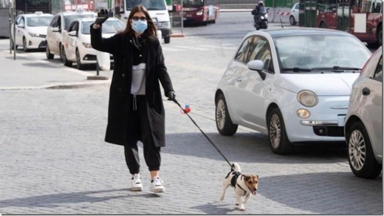 paseo-tapabocas-mujer