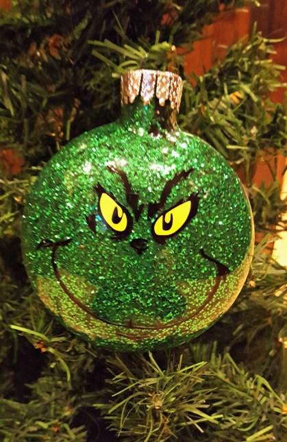 diy grinch glitter ornament tutorial