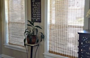 DIY Farmhouse Window Trim Molding