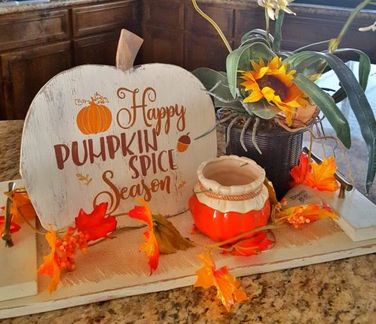 DIY pumpkin wood sign