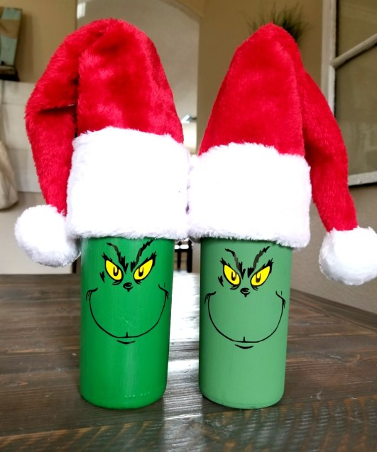diy grinch wine bottle
