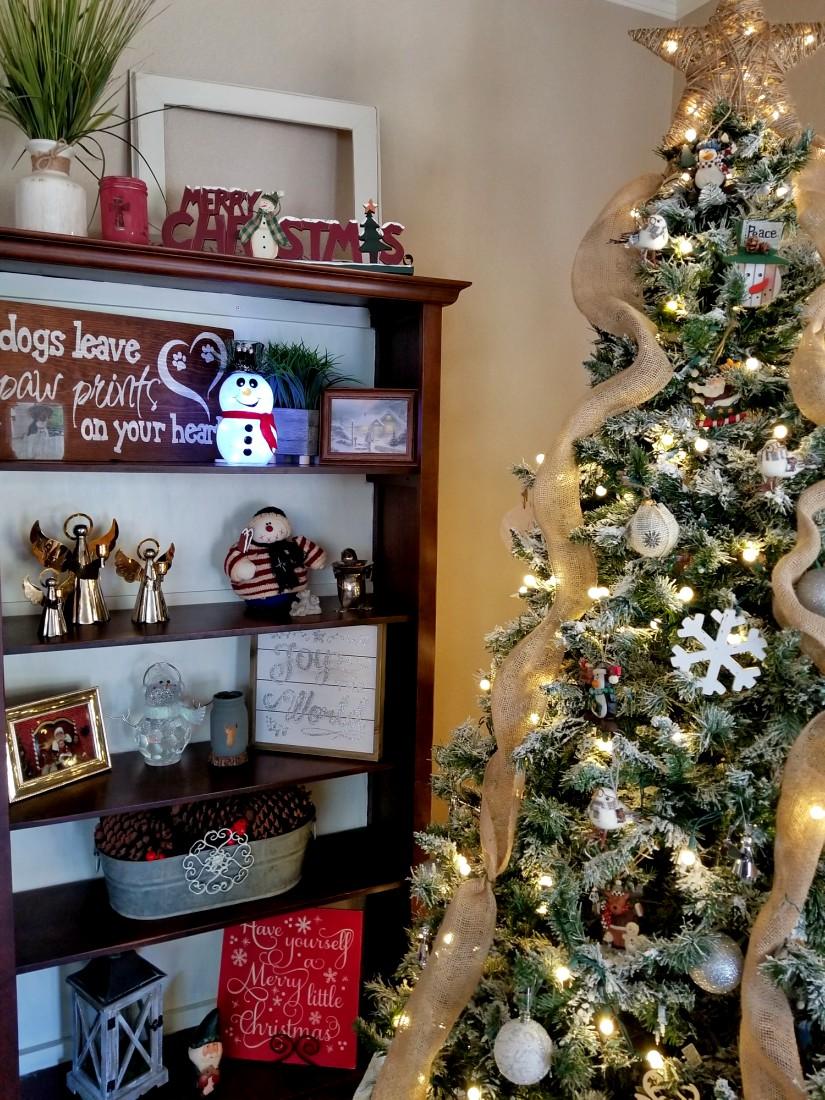Christmas home tours interior christmas decorating ideas leap of christmas home tours interior christmas decorating ideas leap of faith crafting solutioingenieria Choice Image