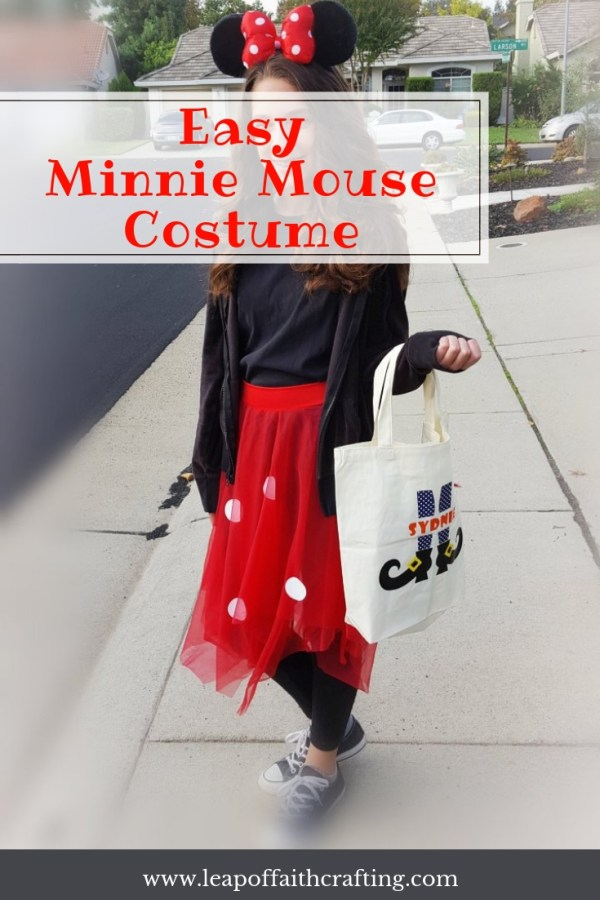 easy DIY minnie mouse costume pin