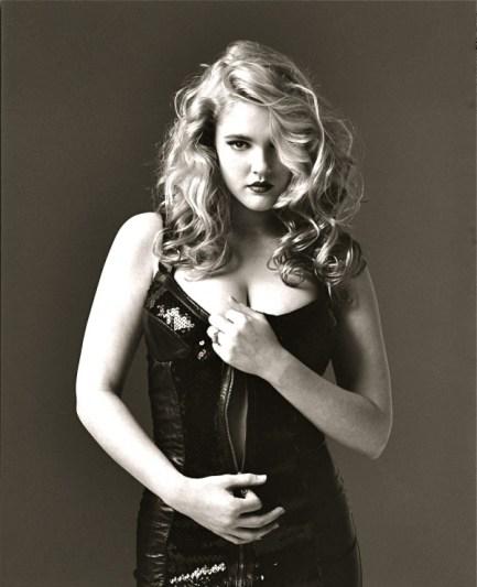 Drew-Barrymore-black-dress
