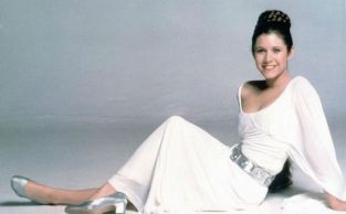 carrie-fisher-sw-sexy