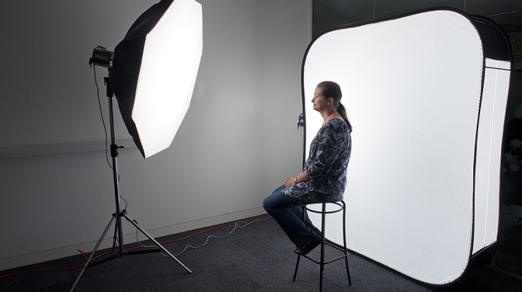 How To Use Umbrella Lights Classy How To Use Umbrella Lights In Video Guides Learn How To