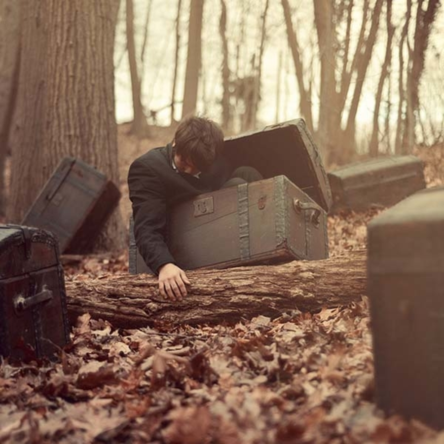 sleep paralysis hallucinations fear of isolation