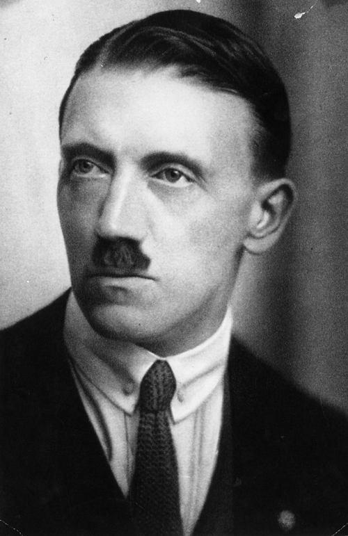 Adolf Hitler infj
