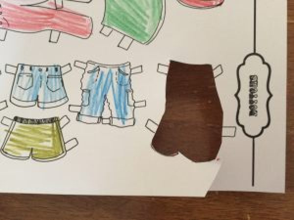 Paper Doll Tutorial: make your paper dolls super durable by laminating them and adding velcro