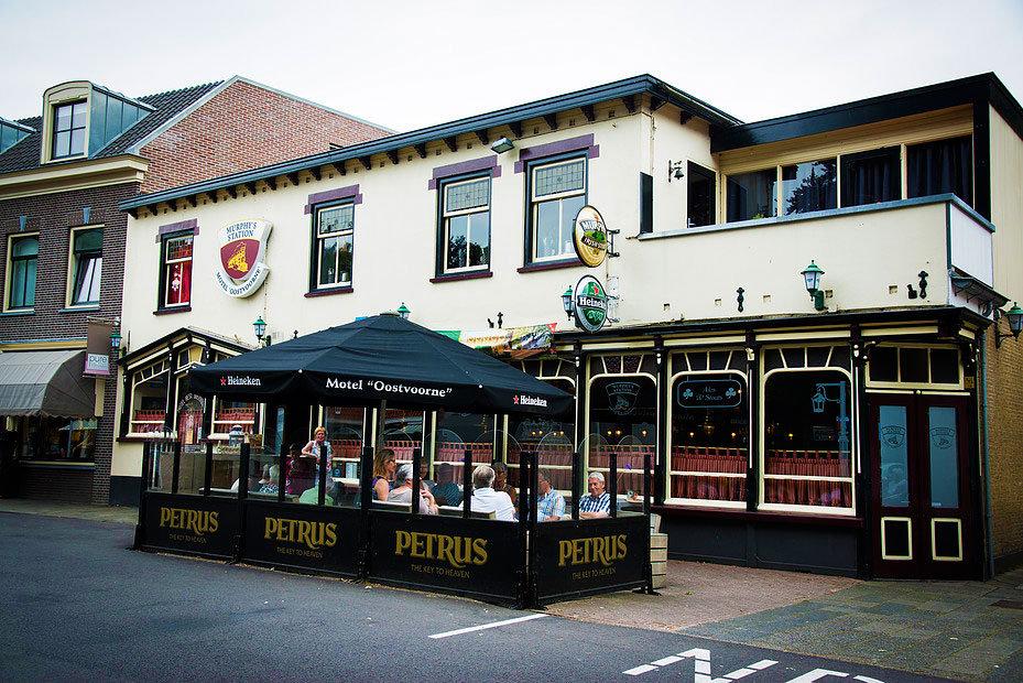 Motel Oostvoorne und Irish Pub