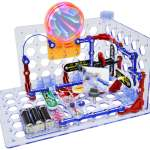 the Snap Circuits 3D illumination set assembled with a light tunnel and mirror experiment