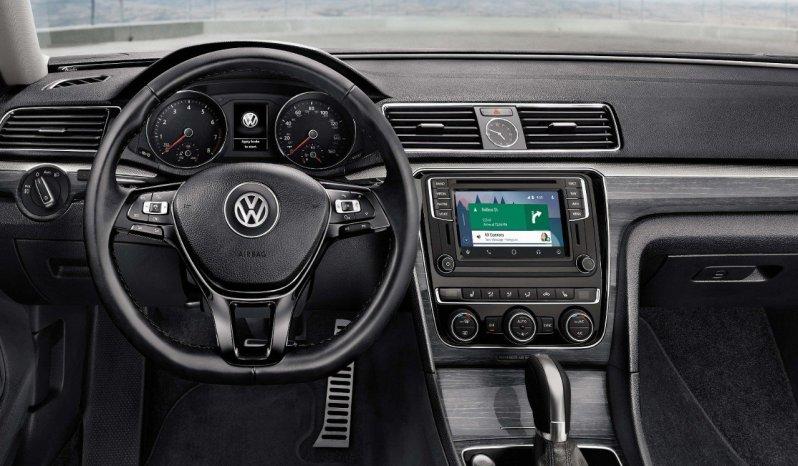 2018 Volkswagen Passat full