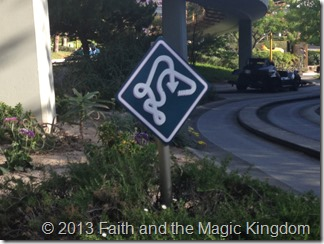 Autopia Twisting Sign